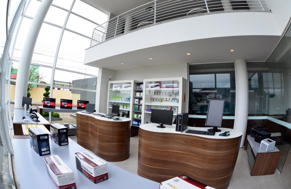 A WB oferece um portfólio amplo e diversificado de produtos e serviços na área de TI